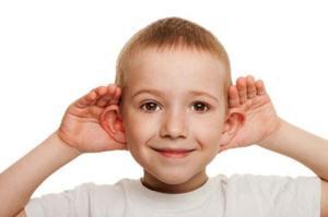 child-listening__large